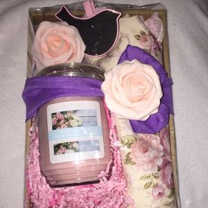 Hostess Gift: Rose Tablecloth/Rose Candle/Wood Tag